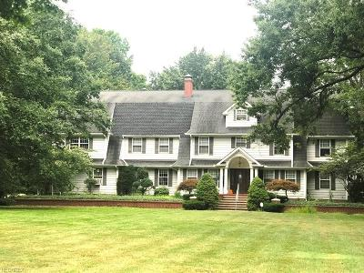 North Olmsted Single Family Home For Sale: 4650 Dover Center Rd