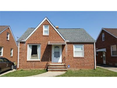 Parma Single Family Home For Sale: 3018 Grovewood