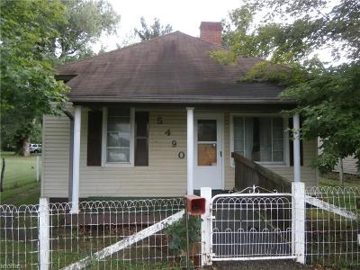 Muskingum County Single Family Home For Sale: 5490 3rd St