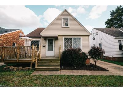 Parma Single Family Home For Sale: 5807 Hampstead Ave