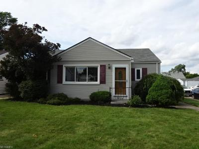 Parma Single Family Home For Sale: 2804 Russell Ave