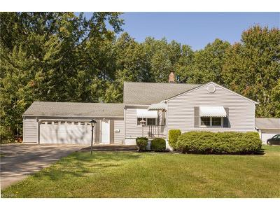 North Olmsted Single Family Home For Sale: 6016 Fitch Rd