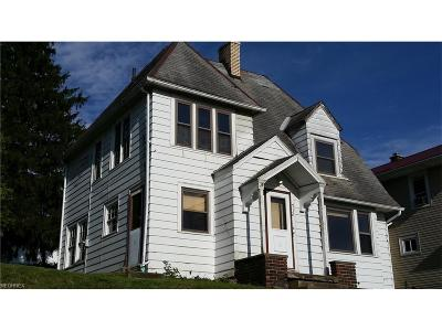 Guernsey County Single Family Home For Sale: 712 Oakland Blvd