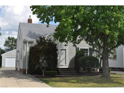 Mayfield Heights Single Family Home For Sale: 1569 Fruitland Ave
