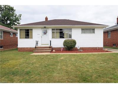 Parma Single Family Home For Sale: 2324 Brookdale Ave