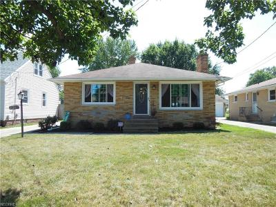 Parma Single Family Home For Sale: 9441 Berkshire Rd