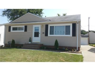 Parma Single Family Home For Sale: 3211 Standish Ave