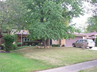 Parma Single Family Home For Sale: 7187 Normandy Dr