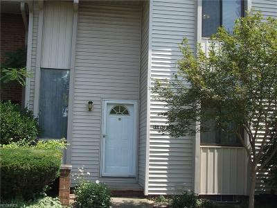 Strongsville Condo/Townhouse For Sale: 11495 Pearl Rd #A105