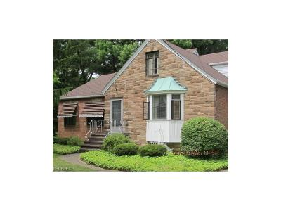 Parma Heights Single Family Home For Sale: 6740 York Rd