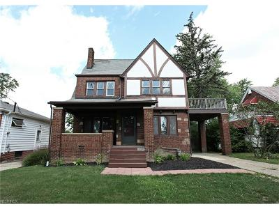 Parma Heights Single Family Home For Sale: 5972 Pearl Rd