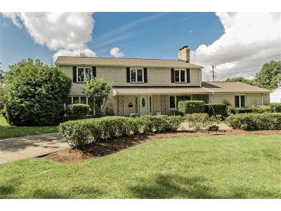 Shaker Heights Single Family Home For Sale: 22926 Holmwood Rd