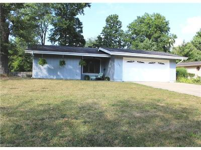 Olmsted Falls Single Family Home For Sale: 26890 Locust Dr