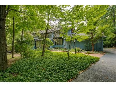 Pepper Pike Single Family Home For Sale: 23 Hunting Hollow Dr