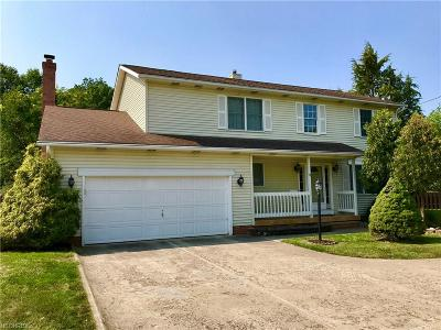 Middleburg Heights Single Family Home For Sale: 14249 Bagley Rd