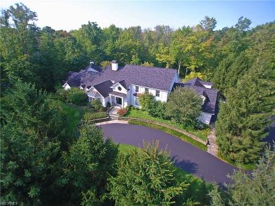 Moreland Hills Single Family Home For Sale: 65 Quail Hollow Dr