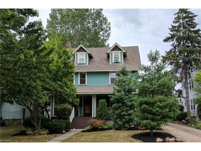 Lakewood Single Family Home For Sale: 1607 Grace Ave