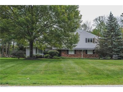 Pepper Pike Single Family Home For Sale: 2779 Belgrave Rd