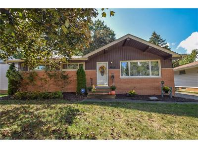 Parma Single Family Home For Sale: 12075 Stormes Dr