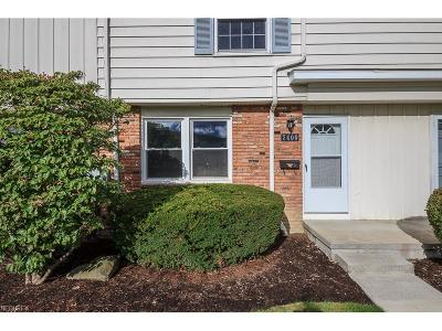 Mentor Condo/Townhouse For Sale: 7400 Abby Ct #J