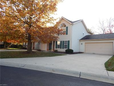 Middleburg Heights Single Family Home For Sale: 6814 Laurel Trace #A
