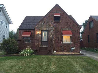 Parma Single Family Home For Sale: 5607 Merkle Ave