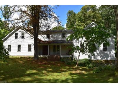 Chardon Single Family Home For Sale: 9838 Mitchells Mill Rd
