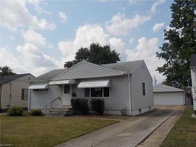 Brook Park Single Family Home For Sale: 5724 Fry Rd