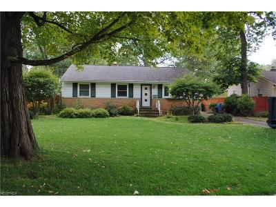 North Olmsted Single Family Home For Sale: 23057 Alexander Rd