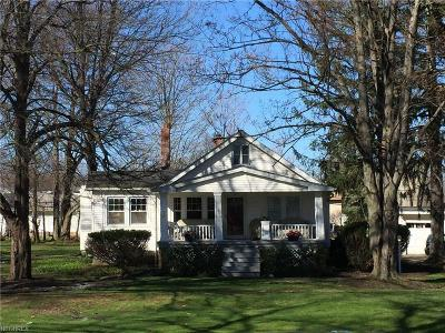 Lyndhurst Single Family Home For Sale: 2000 Brainard Rd