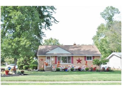 North Olmsted Single Family Home For Sale: 6602 Maplehurst Rd