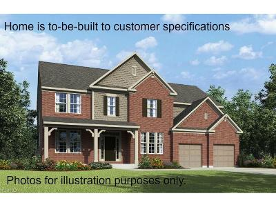 North Royalton Single Family Home For Sale: 5529 Hedgebrook Dr