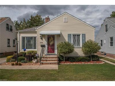 Parma Single Family Home For Sale: 1016 Hillsdale Rd