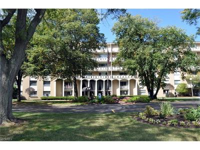 Rocky River Condo/Townhouse For Sale: 3400 Wooster Rd #101