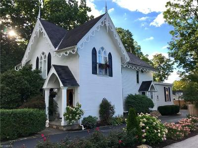 Chagrin Falls Single Family Home For Sale: 34 East Cottage St