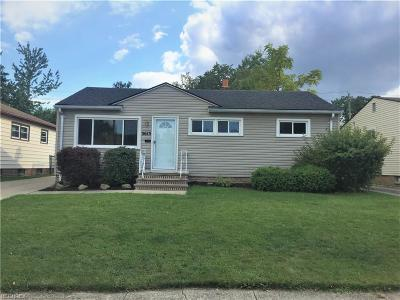 Parma Single Family Home For Sale: 3613 Center Dr