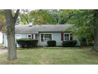 Fairview Park Single Family Home For Sale: 21711 Mastick Rd