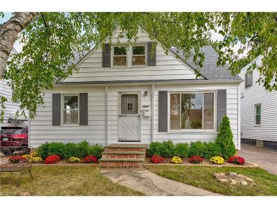 Mayfield Heights Single Family Home For Sale: 1625 Woodhurst Ave