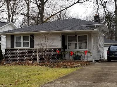 North Olmsted Single Family Home For Sale: 6052 Decker Rd