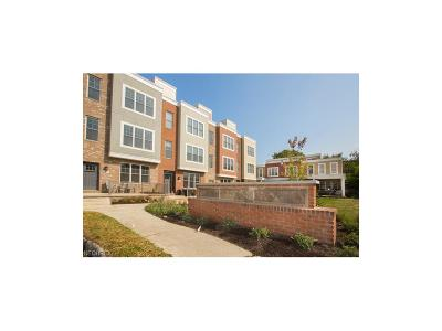 Lakewood Condo/Townhouse For Sale: 17855 Northwood