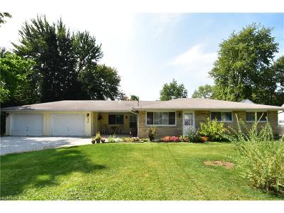 North Ridgeville Single Family Home For Sale: 6150 Wallace Blvd