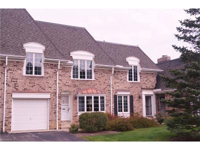 Moreland Hills Condo/Townhouse For Sale: 34114 Chagrin Blvd #8104