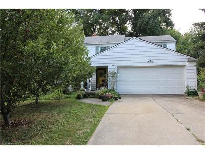 Beachwood Single Family Home For Sale: 23660 Cedar Rd