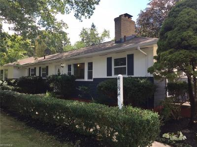 North Olmsted Single Family Home For Sale: 4194 Canterbury Rd