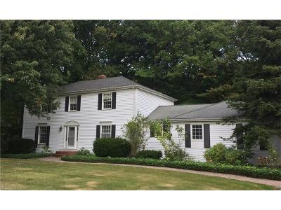 Chagrin Falls Single Family Home For Sale: 106 Anglers Dr