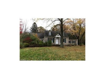 Chagrin Falls Single Family Home For Sale: 4179 Brainard Rd