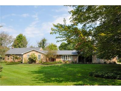 Ashtabula Single Family Home For Sale: 3633 Samar Dr