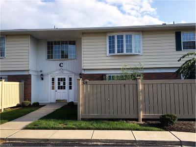 Mentor Condo/Townhouse For Sale: 7970 Mentor Ave #C13