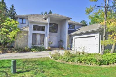 Beachwood Single Family Home For Sale: 1 Longmeadow Ln