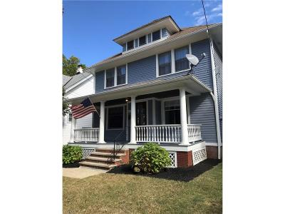 Lakewood Single Family Home For Sale: 1613 Winton Ave